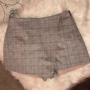 NWT Forever 21 Beige/Plaid Mini Skort Medium
